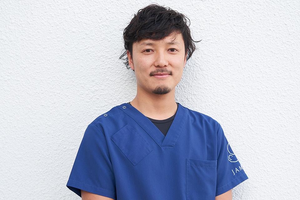獣医師 有藤翔平